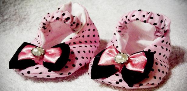 sapatinho rosa bebe